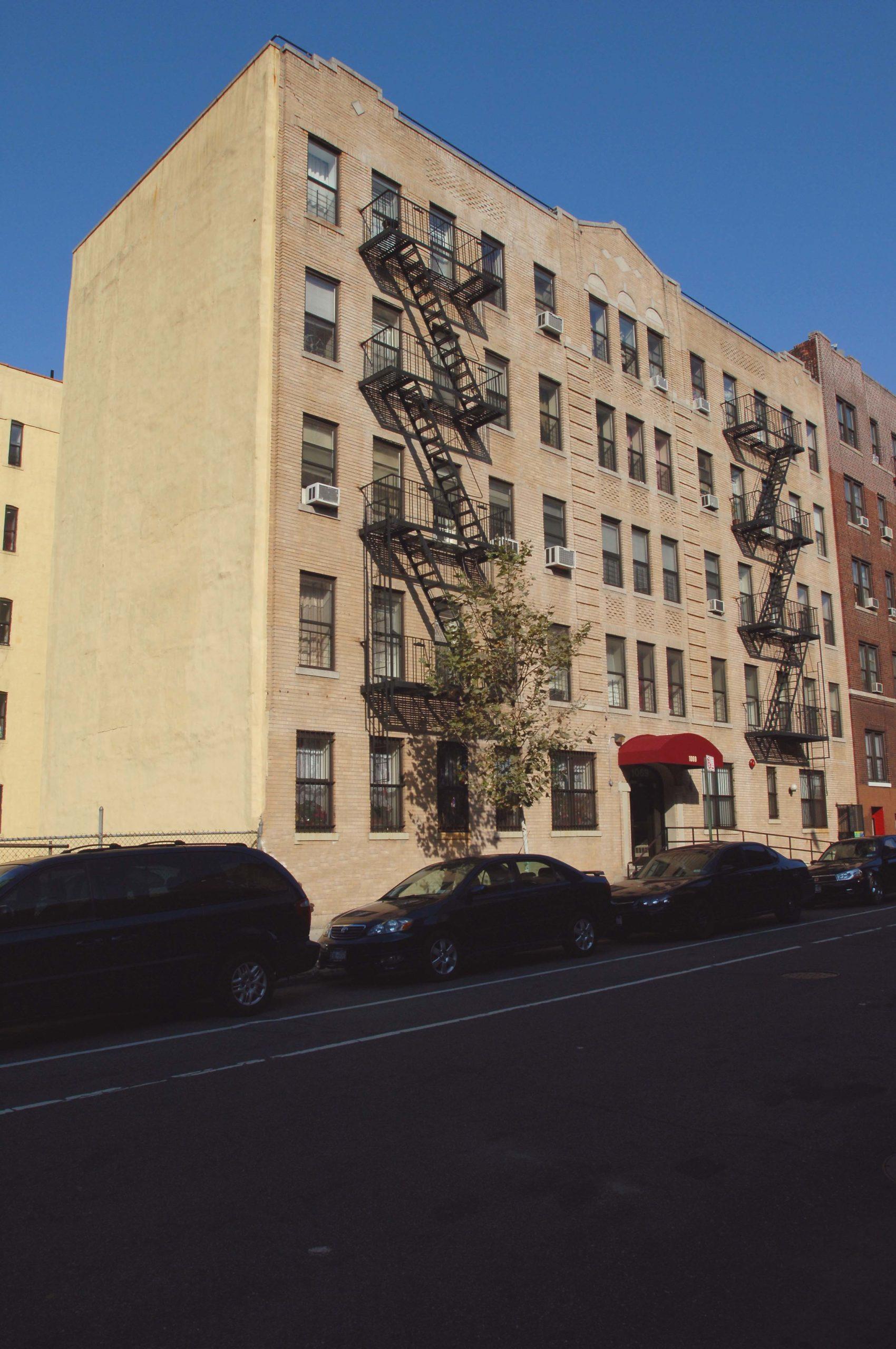 1069 Walton Avenue